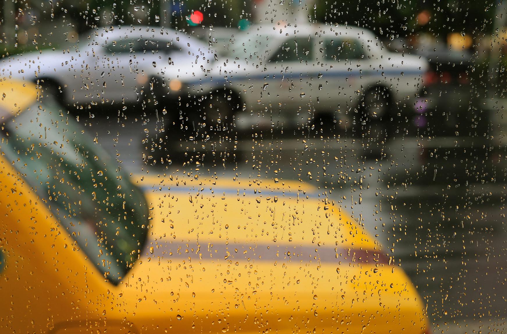 rainy-taxi