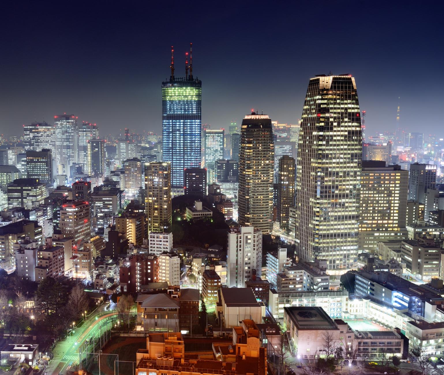 tokyo_skyline_by_night